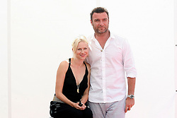 Actors Liev Schreiber and Naomi Watts arrive at a photocall during the Giffoni Festival in Salerno, Italy on July 20, 2009. Photo by Alessia Paradisi/ABACAPRESS.COM  | 195949_008 Salerno Italie Italy