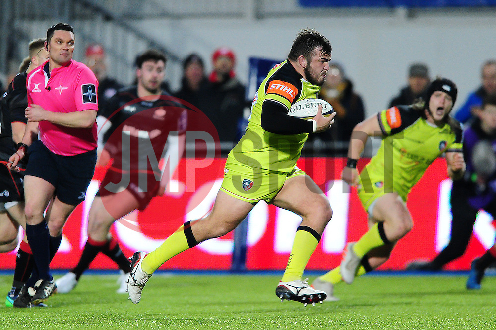 George McGuigan of Leicester Tigers goes on the attack - Mandatory byline: Patrick Khachfe/JMP - 07966 386802 - 05/02/2017 - RUGBY UNION - Allianz Park - London, England - Saracens v Leicester Tigers - Anglo-Welsh Cup.