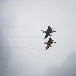 D&eacute;monstration tactique des Mirages 2000D du Couteau Delta Tactical Display de la 3&egrave;me Escadre de chasse de l'Arm&eacute;e de l'Air lors du meeting de l'Air de la Base A&eacute;riene 113 de Saint Dizier. <br /> D&eacute;collage, d&eacute;monstrations en vol, retour au sol, salut des pilotes et entretien des mirages par les m&eacute;canos.<br /> Juillet 2017 / Saint Dizier (52) / FRANCE<br /> Voir le reportage complet (37 photos) http://sandrachenugodefroy.photoshelter.com/gallery/2017-07-Couteau-Delta-Tactical-Display-au-meeting-de-lAir/G0000ocJ5F0RiMTE/C0000yuz5WpdBLSQ