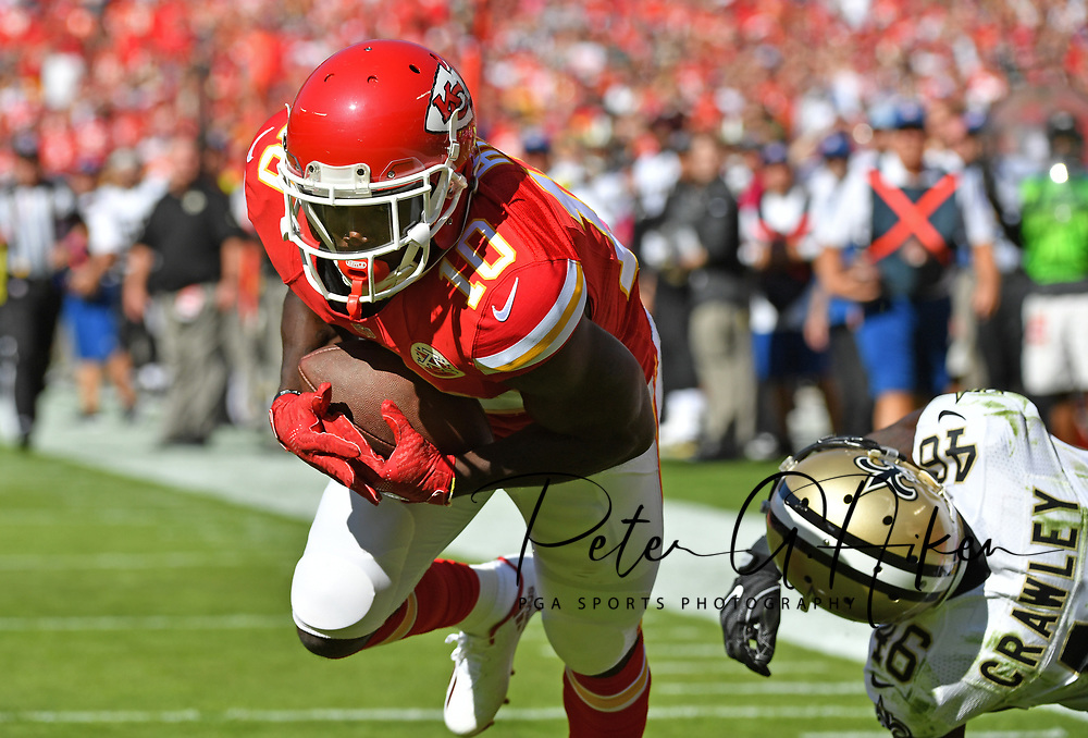 KANSAS CITY, MO - OCTOBER 23:  Wide receiver Tyree Hill #10 of the Kansas City Chiefs catches a touchdown pass against the New Orleans Saints during the first half on October 23, 2016 at Arrowhead Stadium in Kansas City, Missouri.  (Photo by Peter G. Aiken/Getty Images) *** Local Caption *** Tyree Hill