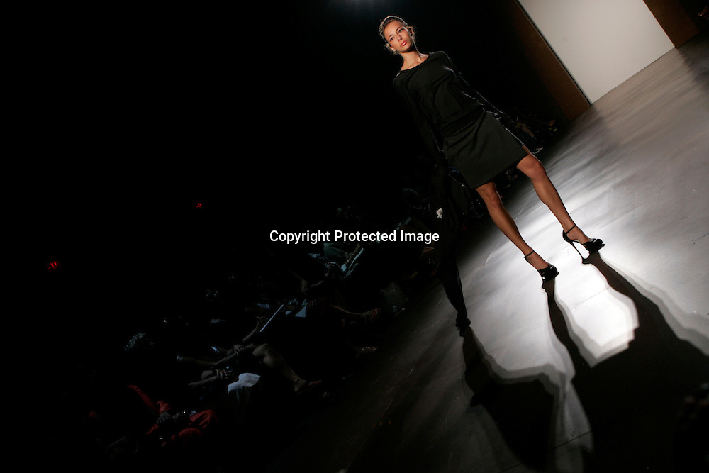 A model wears a Terexov creation at the Spring Collections 2007 fashion shows in New York, September 9, 2006. Photo by Keith Bedford (UNITED STATES)