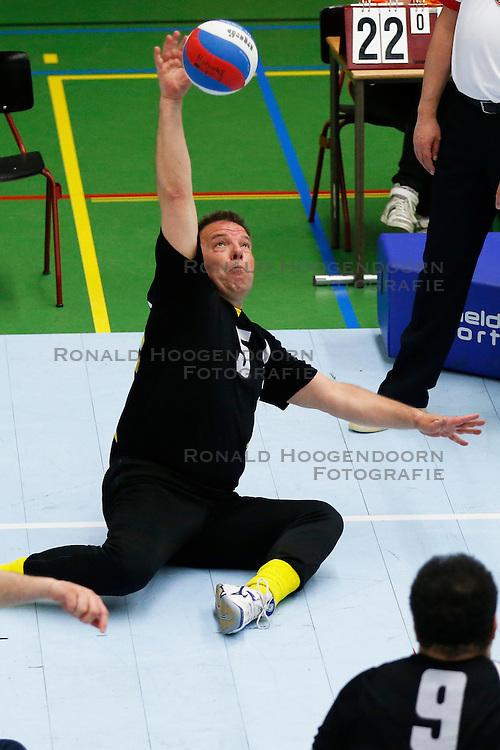 11-05-2013 VOLLEYBAL: NK ZITVOLLEYBAL : BELFELD<br /> Volleer wint de halve finale met 3-0 van VV Apollo, Paul Harmsen van Volleer<br /> &copy;2013-FotoHoogendoorn.nl / Pim Waslander