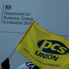 22 Jan 2019 - PCS Union picket the Dept. of B.E.I.S. demanding a living wage for cleaning staff.