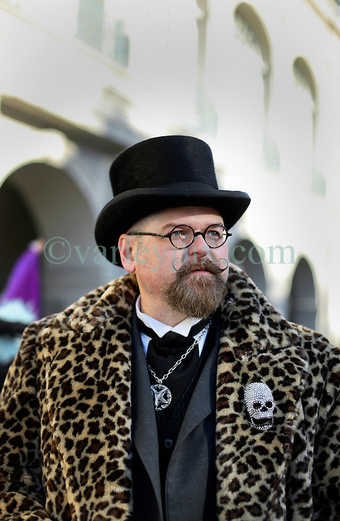 09 February 2016. New Orleans, Louisiana.<br /> Mardi Gras Day. A bespoke gentleman in Jackson Square in the French Quarter.<br /> Photo©; Charlie Varley/varleypix.com
