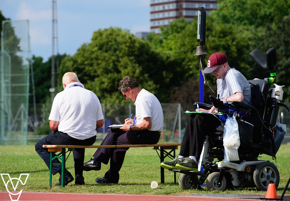 Metro Blind Sport's 2017 Athletics Open held at Mile End Stadium.  5000m.  Officials and volunteers<br /> <br /> Picture: Chris Vaughan Photography for Metro Blind Sport<br /> Date: June 17, 2017
