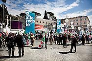 ROMA. IL PALCOSCENICO SISTEMATO IN PIAZZA DEL POPOLO IN OCCASIONE DELLA MANIFESTAZIONE CONTRO IL DECRETO SALVA LISTE DEL GOVERNO BERLUSCONI PER LE ELEZIONI REGIONALI 2010