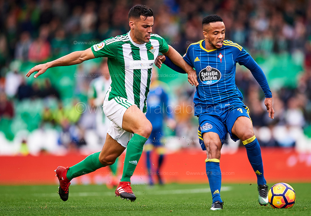SEVILLE, SPAIN - DECEMBER 04:  Bruno Gonzalez of Real Betis Balompie (L) competes for the ball with Theo Bongonda of RC Celta de Vigo (R) during La Liga match between Real Betis Balompie an RC Celta de Vigo at Benito Villamarin Stadium on December 4, 2016 in Seville, Spain.  (Photo by Aitor Alcalde Colomer/Getty Images)