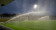 Trods styrtende regnvejr vandes banen før kampen i 2. Division mellem FC Helsingør og Skovshoved IF den 11. oktober 2019 på Helsingør Ny Stadion (Foto: Claus Birch).