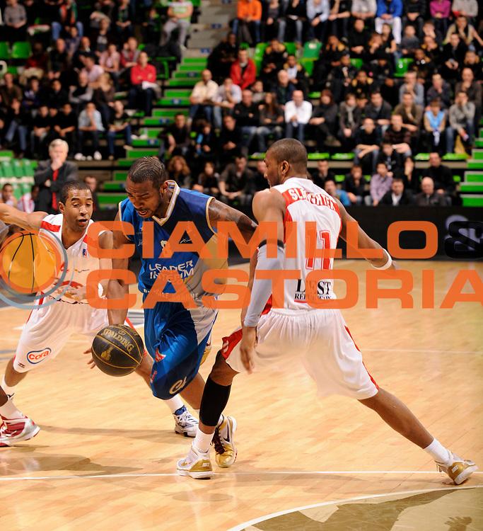 DESCRIZIONE : Ligue France Pro A Semaine des As Roanne Nancy<br /> GIOCATORE : Mims Ralph<br /> SQUADRA : Roanne  <br /> EVENTO : France Ligue  Pro A 2009-2010<br /> GARA : Roanne Nancy<br /> DATA : 18/02/2010<br /> CATEGORIA : Basketball Pro A Action<br /> SPORT : Basketball<br /> AUTORE : JF Molliere par Agenzia Ciamillo-Castoria <br /> Galleria : France Ligue Pro A 2009-2010 <br /> Fotonotizia :  Ligue France Pro A 2009-10 Roanne Nancy Semaine des AS Villeurbanne 18/02/2010<br /> Predefinita :