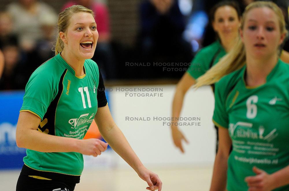 27-10-2012 VOLLEYBAL: VV ALTERNO - SETUP 65: APELDOORN<br /> Topsivisie vrouwen / Moniek Jansen<br /> &copy;2012-FotoHoogendoorn.nl