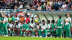 25.05.2010, Alpenstadion, Wattens, AUT, FIFA Worldcup Vorbereitung, Testspiel Nigeria (NGA) vs Saudi Arabien (KSA), im Bild Spielerbank von Nigeria mit Trainer Lars Lagerbäck (NGA) Trainer ( NGA #b1 ). EXPA Pictures © 2010, PhotoCredit: EXPA/ J. Groder / SPORTIDA PHOTO AGENCY