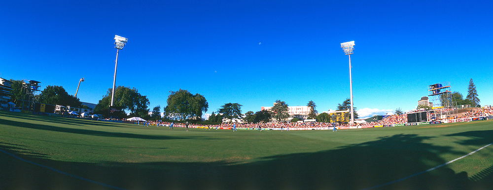 General view of the ground during the one day international cricket match between New Zealand and India at, Hamilton, on 14 January, 2003. Photo: Andrew Cornaga/PHOTOSPORT<br /> <br /> venue stadium 140103 panorama