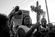El pueblo de Chirimena amanece cantando y tocando tambores en honor a su cruz. Cultores populares de Todasana, Chuspa, Guayabal, Aricagua, La Sabana, Curiepe, Panaquire, Higuerote y El Guamacho honran con fulías, décimas y tambores a la Cruz de Mayo. Con este incensante repique del tambor se celebran las fiestas que honran a la Santa Patrona de Chirimena, la Cruz de Mayo. (Ivan Gonzalez)