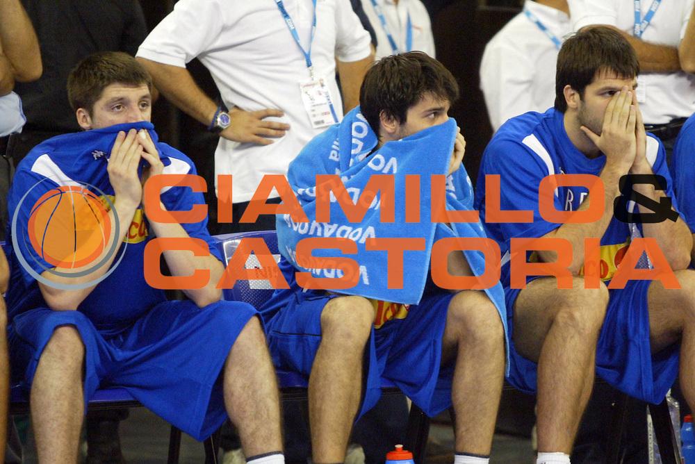DESCRIZIONE : Granada Spagna Spain Eurobasket Men 2007 Grecia Serbia Greece Serbia <br /> GIOCATORE : Team Serbia <br /> SQUADRA : Serbia <br /> EVENTO : Eurobasket Men 2007 Campionati Europei Uomini 2007 <br /> GARA : Grecia Serbia Greece Serbia <br /> DATA : 04/09/2007 <br /> CATEGORIA : Delusione <br /> SPORT : Pallacanestro <br /> AUTORE : Ciamillo&amp;Castoria/N.Parausic <br /> Galleria : Eurobasket Men 2007 <br /> Fotonotizia : Granada Spagna Spain Eurobasket Men 2007 Grecia Serbia Greece Serbia <br /> Predefinita :