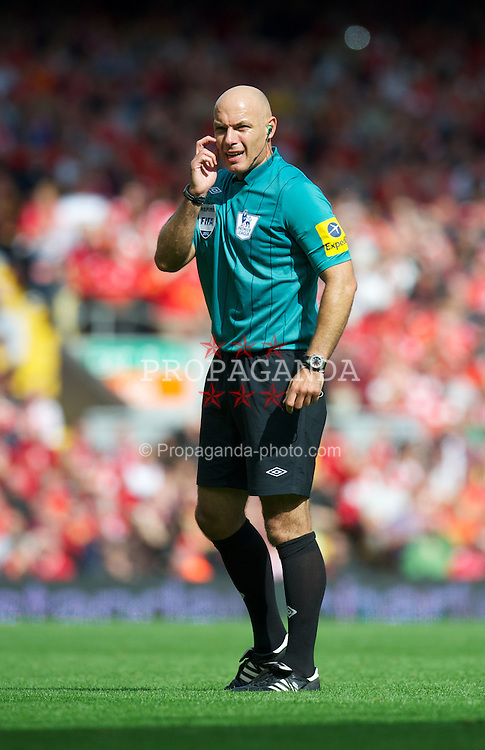LIVERPOOL, ENGLAND - Sunday September 2, 2012: Referee Howard Webb takes charge of Liverpool versus Arsenal during the Premiership match at Anfield. (Pic by David Rawcliffe/Propaganda)
