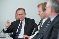 10 MAY 2012, BERLIN/GERMANY:<br /> Cornelius Richter, Geschaeftsfuehrer DIW Berlin, Prof. Dr. Dr. h.c. Bert Ruerup, Vorsitzender des Kuratoriums DIW Berlin, Prof. Georg Weizsaecker, Stellv. Vorsitzender des Vorstands DIW Berlin, Prof. Dr. gerd G. Wagner, Vorsitzender des Vorstands DIW Berlin, (v.L.n.R.), Pressegespraech zu den Ergebnissen der Kuratoriumssitzung, DIW Berlin<br /> IMAGE: 20120510-01-033<br /> KEYWORDS: Bert Rürup, Georg Weizsäcker