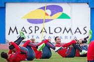 GRAN CANARIA, Maspalomas,  Spanje, voetbal, seizoen 2014-2015, 9-1-2015, winterstop in Nederland, training PSV,  Estadio Municipal, PSV speler Memphis Depay (R).
