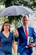 DEN HAAG - Gert-Jan Segers (ChristenUnie) en Carola SChouten arriveren bij het Johan de Witthuis voor de formatiegesprekken met informateur Gerrit Zalm. ROBIN UTRECHT