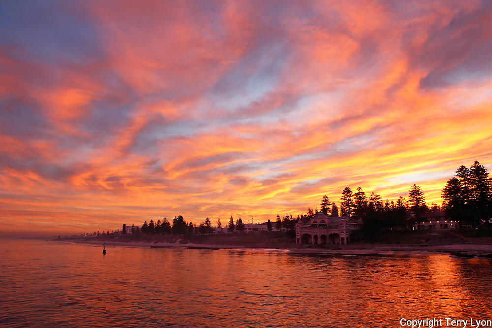 Cottesloe beach sunrise the first day of winter 2017