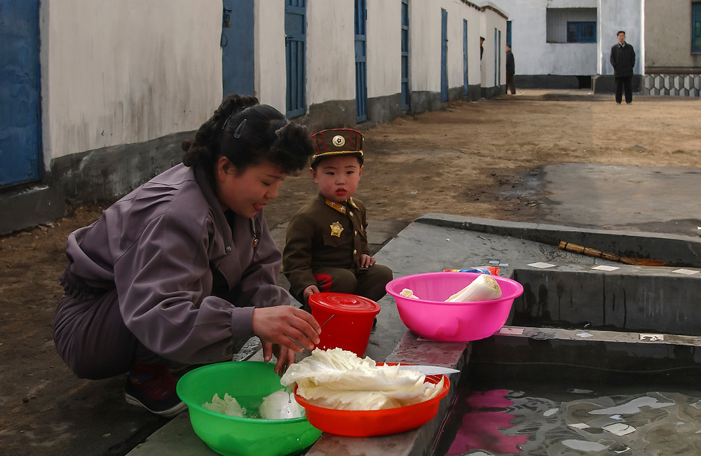 North Korea:<br /> North Hwanghae Province<br /> <br /> Yonson<br /> WES project site - water and sanitation funded by Unicef  (scene is somewhat staged for our visit!)<br /> <br /> <br /> &copy;Jeremy Horner<br /> 15 Mar 2004