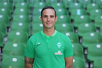 German Bundesliga, official photocall Werder Bremen for season 2017/18 in Bremen, Germany: head coach Alexander Nouri. | usage worldwide