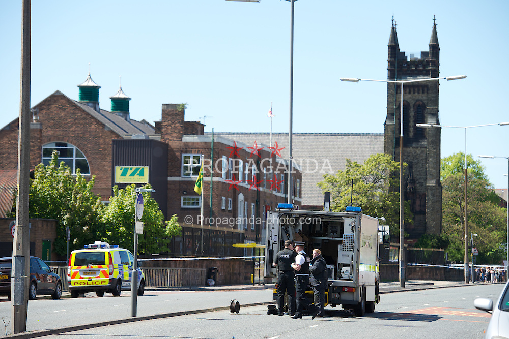 LIVERPOOL, ENGLAND - Saturday, May 25, 2013: A bomb disposal unit and police at the scene of a 'suspicious package' as a shoe box with pictures of bombs was found outside the Territorial Army barracks on Aigburth Road in South Liverpool. (Pic by David Rawcliffe/Propaganda)