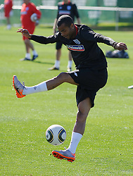 09.06.2010, Sports Campus, Rustenburg, RSA, FIFA WM 2010, England Training im Bild Ashley Cole spielt mit dem Ball, EXPA Pictures © 2010, PhotoCredit: EXPA/ IPS/ Mark Atkins / SPORTIDA PHOTO AGENCY