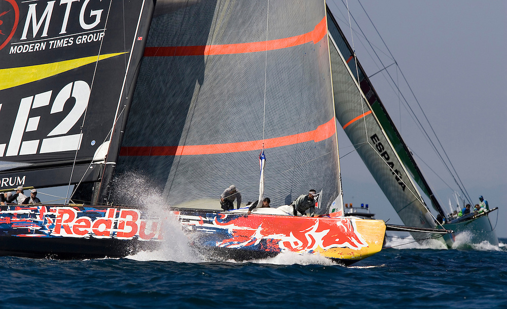 Valencia, SPAIN, Louis Vuitton Cup 2007, Round Robin 2, Flight 9.Victory Challenge (SWE) leads Desafio Espanol (ESP)