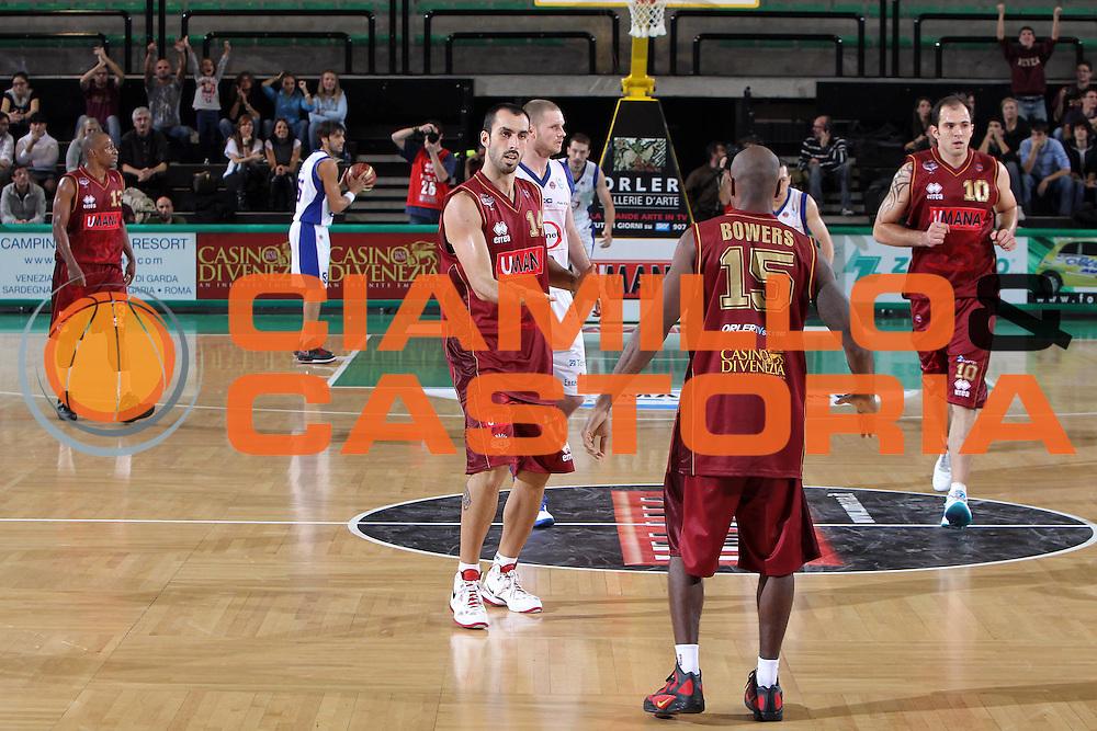 DESCRIZIONE : Treviso Lega A 2011-12 Umana Venezia Bennet Cantu<br /> GIOCATORE : Fantoni Tommaso <br /> CATEGORIA :  Esultanza<br /> SQUADRA : Umana Venezia Bennet Cantu<br /> EVENTO : Campionato Lega A 2011-2012<br /> GARA : Umana Venezia Bennet Cantu<br /> DATA : 23/10/2011<br /> SPORT : Pallacanestro<br /> AUTORE : Agenzia Ciamillo-Castoria/G.Contessa<br /> Galleria : Lega Basket A 2011-2012<br /> Fotonotizia :  Treviso Lega A 2011-12 Umana Venezia Bennet Cantu  <br /> Predefinita :