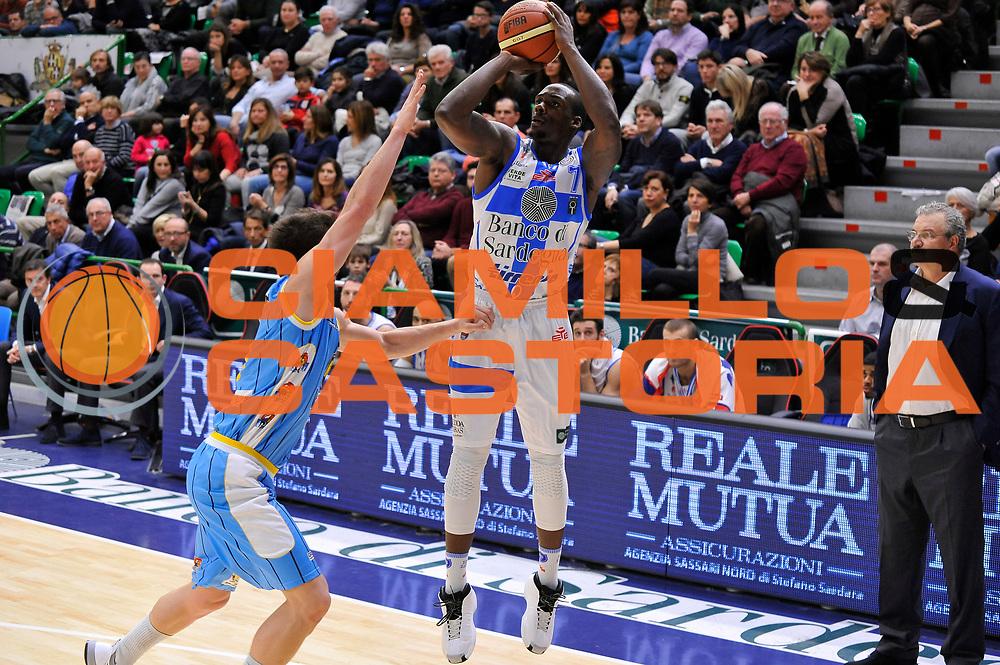 DESCRIZIONE : Campionato 2014/15 Dinamo Banco di Sardegna Sassari - Vanoli Cremona<br /> GIOCATORE : Rakim Sanders<br /> CATEGORIA : Tiro Tre Punti<br /> SQUADRA : Dinamo Banco di Sardegna Sassari<br /> EVENTO : LegaBasket Serie A Beko 2014/2015<br /> GARA : Banco di Sardegna Sassari - Vanoli Cremona<br /> DATA : 10/01/2015<br /> SPORT : Pallacanestro <br /> AUTORE : Agenzia Ciamillo-Castoria / Claudio Atzori<br /> Galleria : LegaBasket Serie A Beko 2014/2015<br /> Fotonotizia : DESCRIZIONE : Campionato 2014/15 Dinamo Banco di Sardegna Sassari - Vanoli Cremona<br /> <br /> Predefinita :