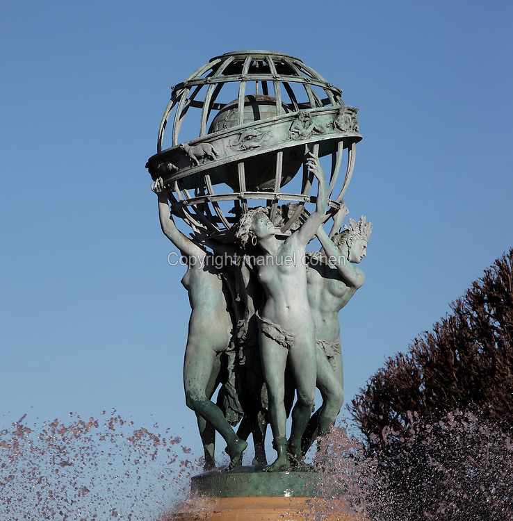 Detail of Globe, by Eugene Legrain (1837-1915), Fountain of the Four Corners of the World, or Observatory Fountain, or Carpeaux Fountain (La fontaine des Quatre-Parties-du-Monde, or Fontaine de l'Observatoire, or Fontaine Carpeaux), bronze, 1867-74, Luxembourg Gardens, Paris, France. Designed by Gabriel Davioud (1824-81), the parts of the fountain include works by several sculptors. Photograph by Manuel Cohen