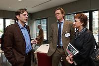 """26 APR 2004, BERLIN/GERMANY:<br /> Claus Strunz (L), Chefredakteur Bild am Sonntag, Hajo Schumacher (M), freier Publizist und Autor, Brigitte Zypries (R), SPD, Bundesjustizministerin, im Gespraech, Kongress """"Politik als Marke - Politik zwischen Kommunikation und Inszenierung"""", ein Projekt der Politikfabrik, dbb Forum Berlin<br /> IMAGE: 20040426-02-180<br /> KEYWORDS: Gespräch"""