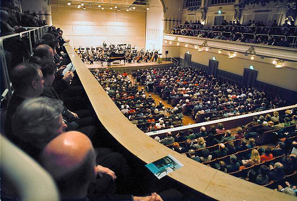 Nederland, Nijmegen, Januari 2001Nederlands studentenorkest in concertgebouw de Vereeniging. Foto: Flip Franssen/Hollandse Hoogte