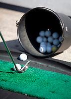VELSEN - Drivin Range, oefenen op  Golfbaan Spaarnwoude. FOTO KOEN SUYK