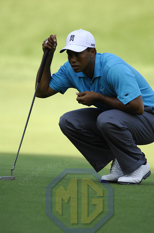06 July 2007:  Tiger Woods lines up his putt on the 10th hole in the second round of the inaugural AT&T National PGA event at Congressional Country Club in Bethesda, Md.  ****For Editorial Use Only****