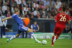 19.05.2012, Allianz Arena, Muenchen, GER, UEFA CL, Finale, FC Bayern Muenchen (GER) vs FC Chelsea (ENG), im Bild Chelsea's Spanish forward Fernando Torres and Bayern's German defender Diego Contento in action during the Final Match of the UEFA Championsleague between FC Bayern Munich (GER) vs Chelsea FC (ENG) at the Allianz Arena, Munich, Germany on 2012/05/19. EXPA Pictures © 2012, PhotoCredit: EXPA/ Mitchel Gunn