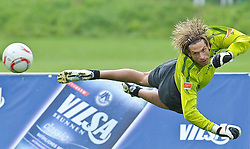 05.08.2010, Thermenstadion, Bad Waltersdorf, AUT, Trainingslager Werder Bremen 1. FBL 2010 - Day09 im Bild      Keeper Tim Wiese ( Werder #01) EXPA Pictures © 2010, PhotoCredit: EXPA/ nph/  Kokenge+++++ ATTENTION - OUT OF GER +++++ / SPORTIDA PHOTO AGENCY
