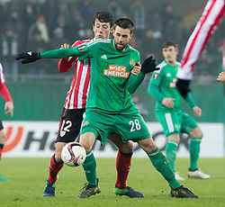 08.12.2016, Weststadion, Wien, AUT, UEFA EL, SK Rapid Wien vs Athletic Club Bilbao, Gruppe F, im Bild Mikel Vesga (Athletic Club Bilbao), Tomi Correa (SK Rapid Wien) // during a UEFA Europa League, group F game between SK Rapid Wien and Athletic Club Bilbao at the Weststadion, Vienna, Austria on 2016/12/08. EXPA Pictures © 2016, PhotoCredit: EXPA/ Sebastian Pucher