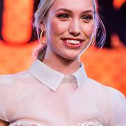 NLD/Amsterdam/20161025 - finale Holland Next Top model 2016, winnares Akke Marije Marinus