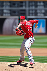 OAKLAND, CA - JUNE 21:  Garrett Richards #43 of the Los Angeles Angels of Anaheim pitches against the Oakland Athletics during the first inning at O.co Coliseum on June 21, 2015 in Oakland, California. The Oakland Athletics defeated the Los Angeles Angels of Anaheim 3-2. (Photo by Jason O. Watson/Getty Images) *** Local Caption *** Garrett Richards