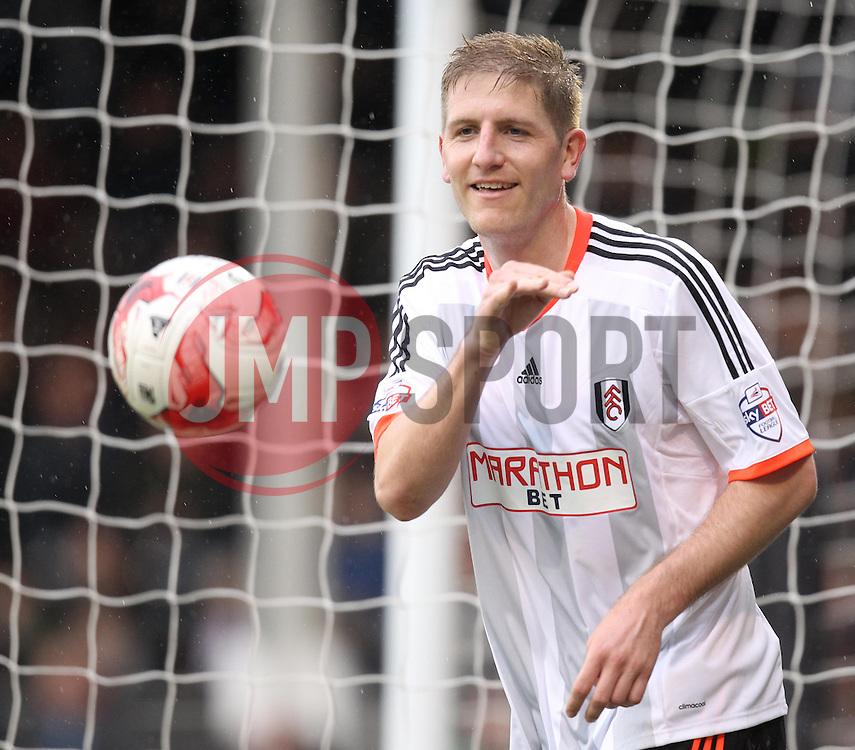 Fulham's Michael Turner - Photo mandatory by-line: Robbie Stephenson/JMP - Mobile: 07966 386802 - 03/04/2015 - SPORT - Football - Fulham - Craven Cottage - Fulham v Brentford - Sky Bet Championship
