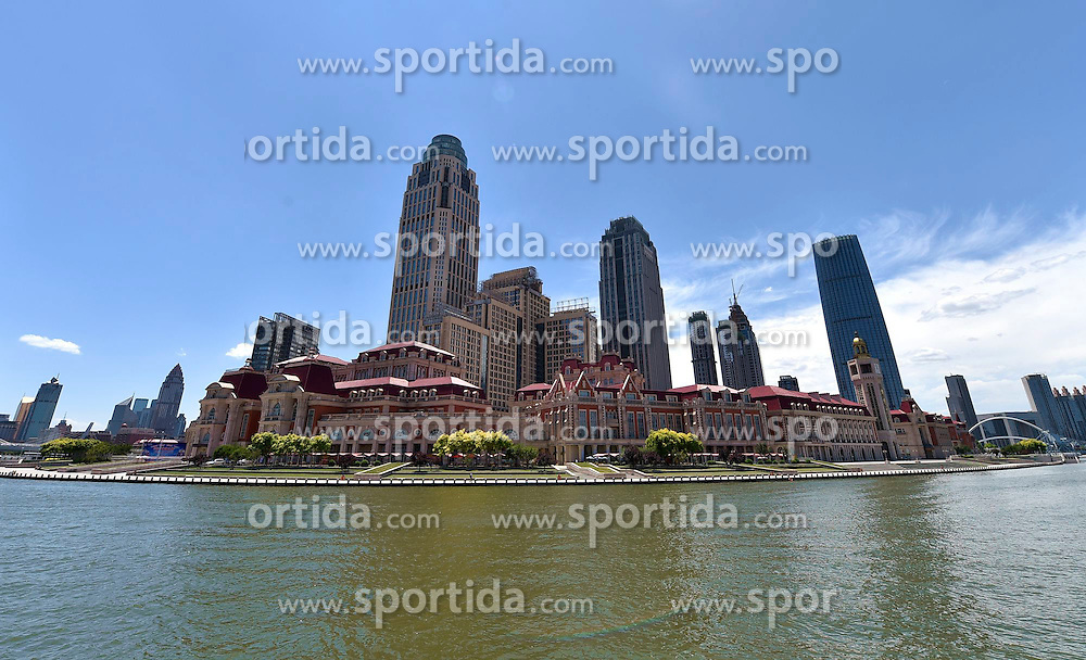 picture shows the Jinwan Square under blue sky alongside the Haihe River in Tianjin, north China. Many regions in China greets fine weather in recent days. EXPA Pictures &copy; 2015, PhotoCredit: EXPA/ Photoshot/ Yue Yuewei<br /> <br /> *****ATTENTION - for AUT, SLO, CRO, SRB, BIH, MAZ only*****