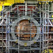 CERN di Ginevra 13/02/07, il nuovo impianto dell'acceleratore LHC (Large Hadron Collider)  lungo 27 km ad una profondità media di 80 metri... nella foto i lavori di assemblaggio della stazione sperimentale CMS....fotografia di Michele D'Ottavio