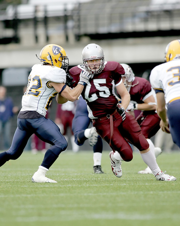 (20 October 2007 -- Ottawa) The University of Ottawa Gee Gees football team defeated the University of Windsor Lancers 43-2 to complete a perfect undefeated season. The player pictured is Eric Girard