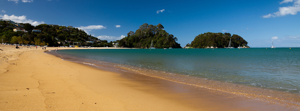 Panoramic of Kaiteriteri Beach, Tasman Bay, New Zealand