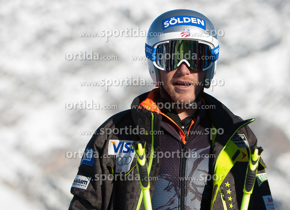 27.12.2011, Pista Stelvio, Bormio, ITA, FIS Weltcup Ski Alpin, Herren, Abfahrt, 1. Training, im Bild am Start Bode Miller (USA) // Bode Miller of USA at the start before first practice session downhill of FIS Ski Alpine World Cup at 'Pista Stelvio' in Bormio, Italy on 2011/12/27. EXPA Pictures © 2011, PhotoCredit: EXPA/ Johann Groder