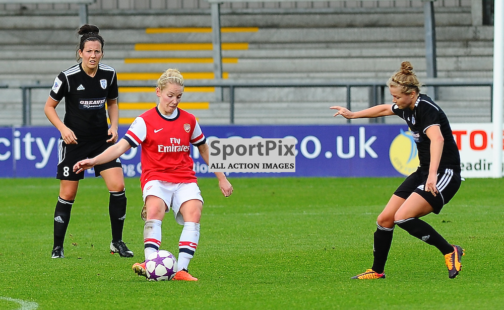 Ellen White (ARS) on the ball as Arsenal Ladies play Glasgow City Ladies in the UEFA Women's Champions League Round of 16 match at The Hive, Barnet FC on Sat 9 November 2013 (c) Ian Nancollas | SportPix.org.uk