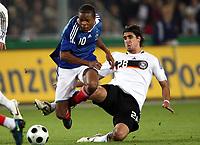 Fotball<br /> Frankrike<br /> Foto: DPPI/Digitalsport<br /> NORWAY ONLY<br /> <br /> FOOTBALL - EUROPEAN CHAMPIONSHIP UNDER 21 2009 - PLAY OFF FOR FINAL TOURNAMENT - GERMANY v FRANCE UNDER 21 - 10/10/2008 - LOIC REMY (FRA) / SAMI KHEDIRA (GER)<br /> <br /> Tyskland v Frankrike U21