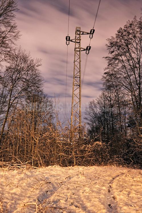 Strommast in Richtung Frauenkopf