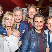 NLD/Amsterdam/20161103 - CD Presentatie Rene Froger, Rene Froger en partner Natasja Kunst en kinderen Didier, Danny, Maxim en Natascha